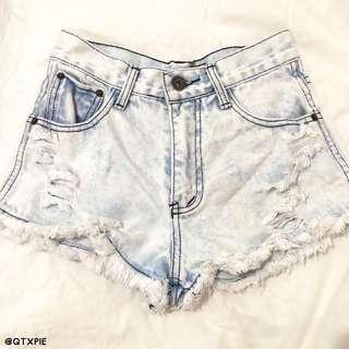 light denim frayed shorts