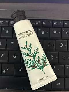 Inisfree hand cream cedar wood