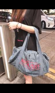 Moussy 旅行袋