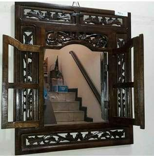Cermin Ukir Jendela