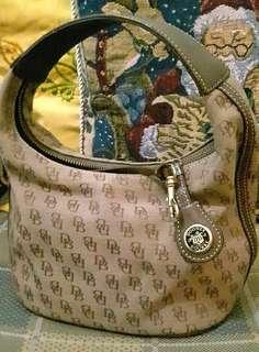 Authentic Dooney & Bourke Mini Bucket @ 3200