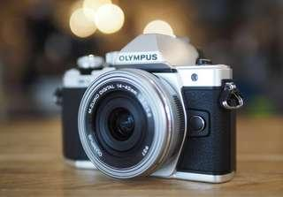 *PRICE REDUCED* Olympus OM-D E-M10 Mark II Interchangeable Lens Camera
