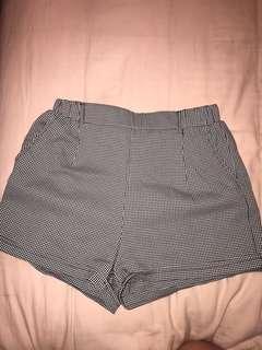 Gingnam highwaisted shorts