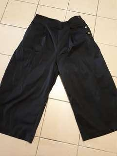 Black wide pants or culottes
