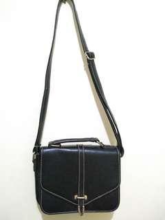 Tas kecil wanita warna h8tam