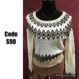 Knitted Sweater S90