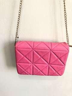 Sling bag bao bao pink looks like