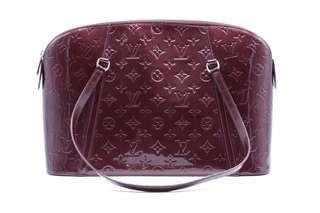 LOUIS VUITTO Rouge Fauviste Monogram Vernis Avalon Zipped Bag N