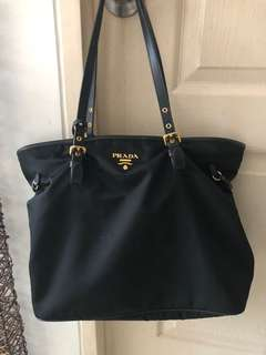 Slightly used Prada Tessuto+Saffiano in Nero (BR4997) 88a5d183a201b