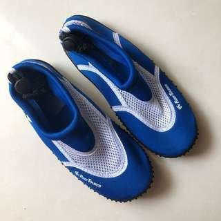 Sepatu renang / pantai / beach shoes