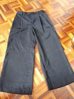 Uniqlo wide leg pant or palazzo