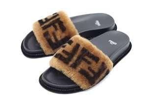 FENDI Sheepskin Leather Slide Sandals