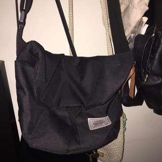 miniso sling bag (BU)