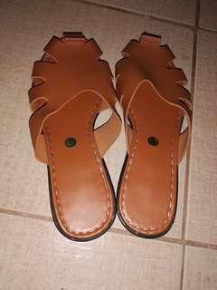 Reprice✔Selling brand new sandals