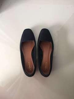 Vincci low heels