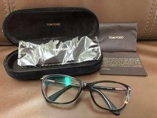 Authentic Tom Ford glasses . Complete with authentic card , cloth and case. Made In Italy .Seldom wore . Excellent condition like new . 9/10