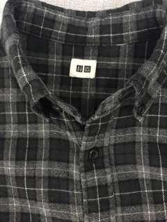 Uniqlo Checkered Flanel Shirt - Kemeja Flanel