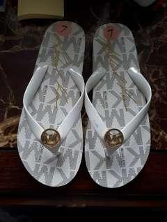 Original Michael Kors flipflops now on sale