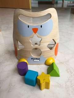 Plan Toys - Owl shape sorter