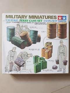 1/35 Military Miniatures Jerry Cans Set.