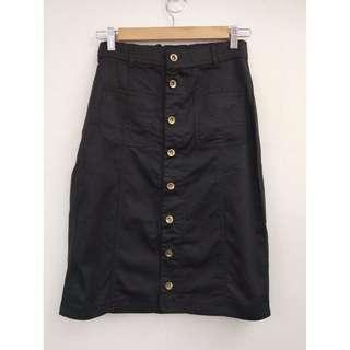 🚚 九成新 排釦牛仔裙-黑