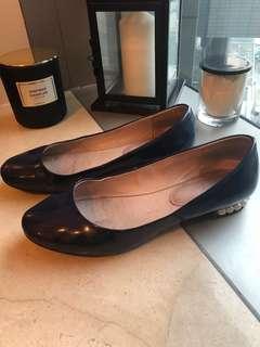 Venilla suite navy flat shoes