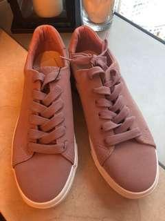 Uk brand New Look shoes