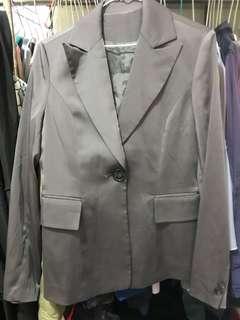🚚 OL外套