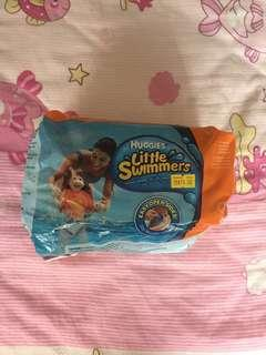 Huggies Little swimmers Diapers M size