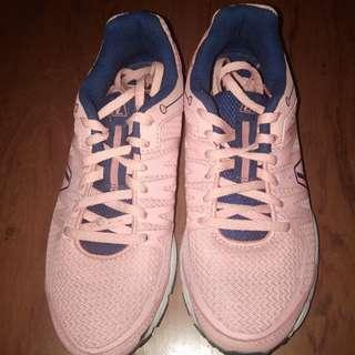 Sport shoes League