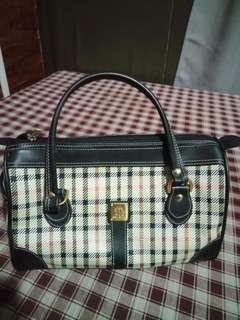 Pre loved hand bag