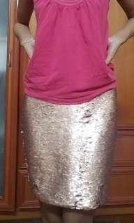 Miss Selfridge Petites - Gold sequins skirt