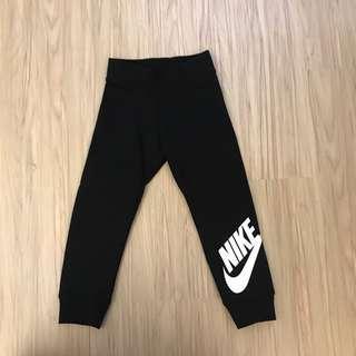 🚚 全新Nike運動褲 鋪棉 3-4T(98-104cm)