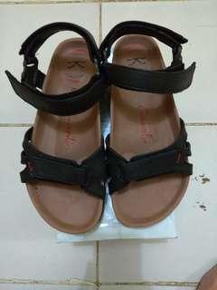 Sepatu/sendal Carvil Pria size 42