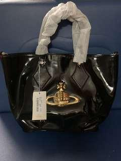 Authentic Vivienne Westwood  big bag, 100%new , with tag and dust bag, size 30*33*15cm