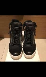 🚚 STEVE MADDEN 9號男鞋