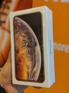 New (512) iPhone XS Max with 1 year apple warranty