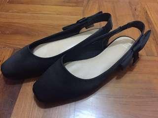 可順豐 M&S 馬莎 絲質面OL黑色平底鞋 有少少鞋墊 Black shoes