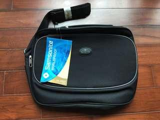Samsonite Worldproof 225 Series laptop bag, New!
