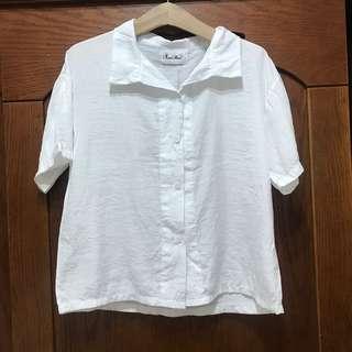 🚚 白色涼感短袖薄襯衫