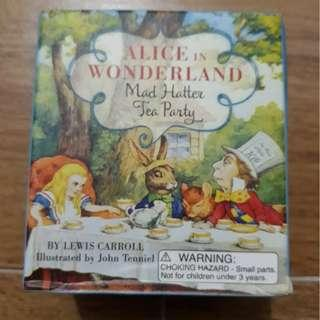 (Clearance Sale) MISB Alice In Wonderland Mad Hatter Tea Party Miniature + Book boxset dc marvel