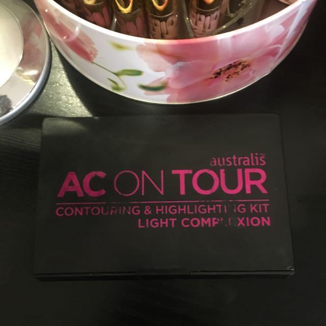 Australis AC On Tour Contouring And Highlighting Kit