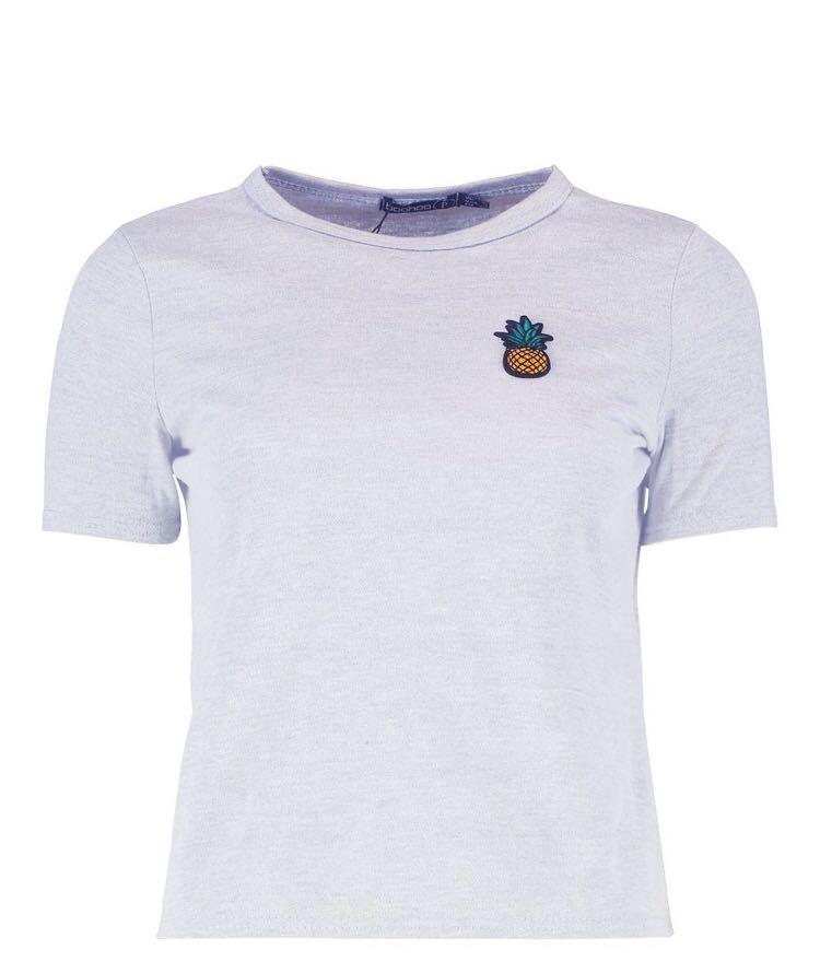 BNWT - Petite pineapple badge t-shirt