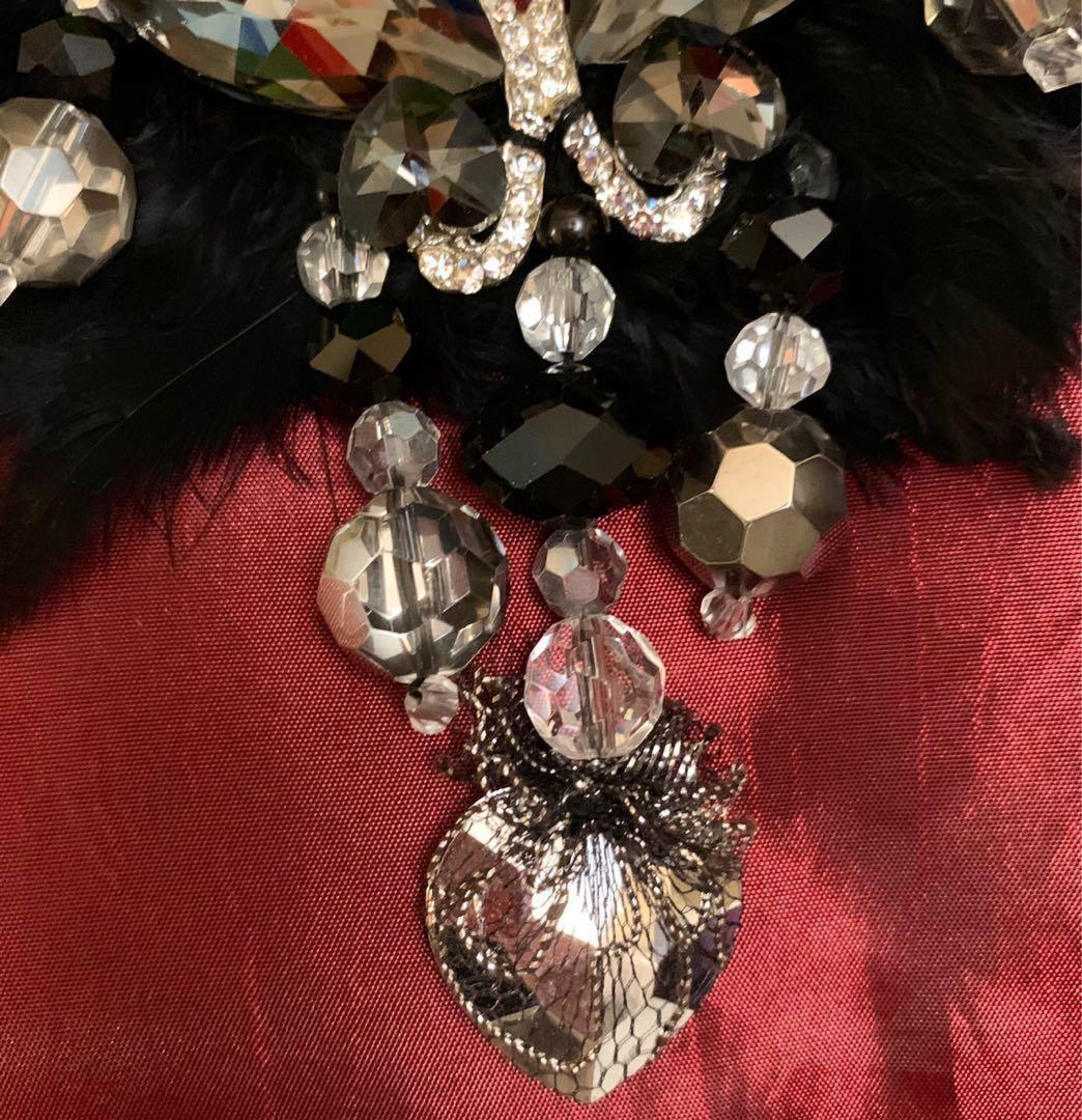 Brand New Feather Stone Necklace 全新羽毛閃石項鍊