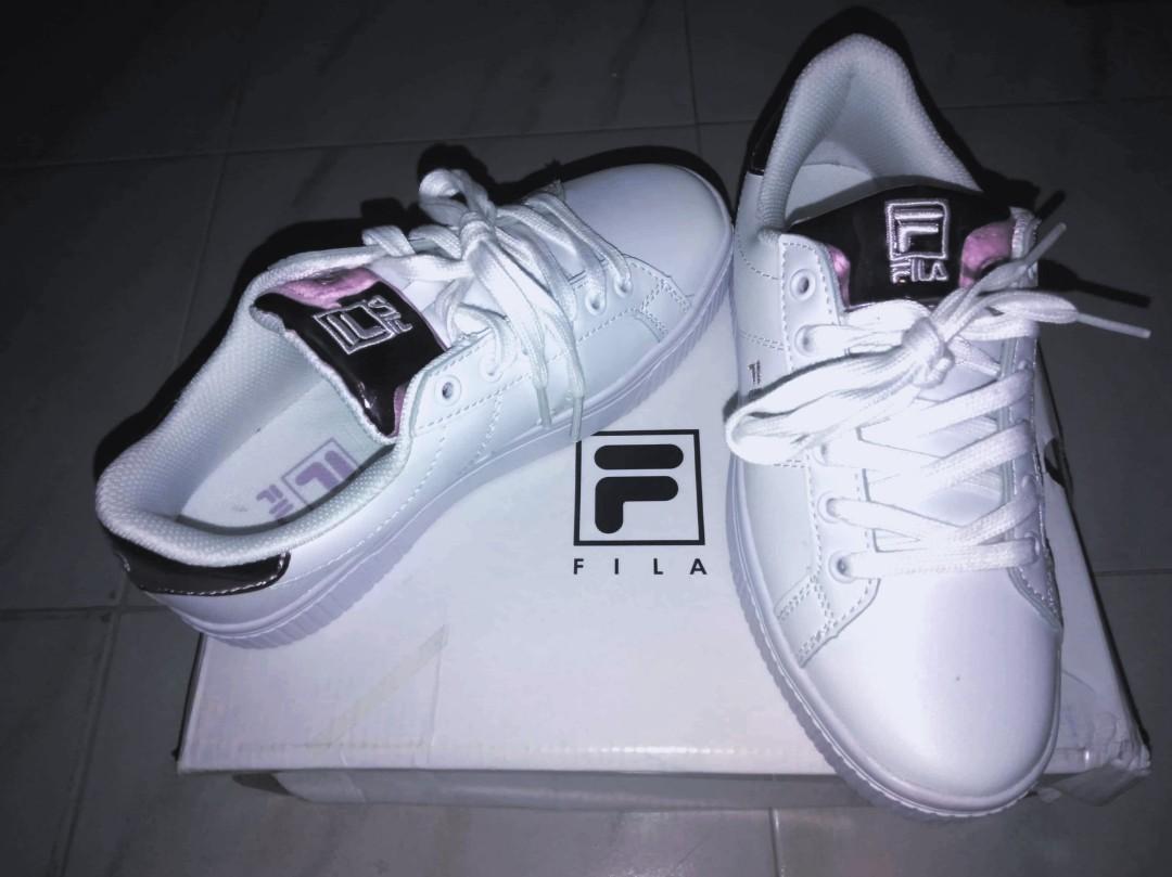 407dd975f189 Fila Sneakers   Made in Korea 🇰🇷