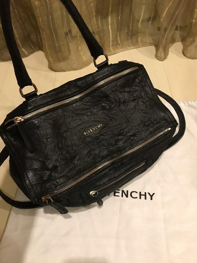 f948f6f028 Givenchy Pandora original
