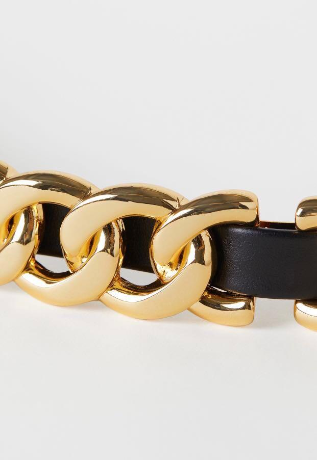 H&Moschino Belt (only meeting up until nov 25) m/L