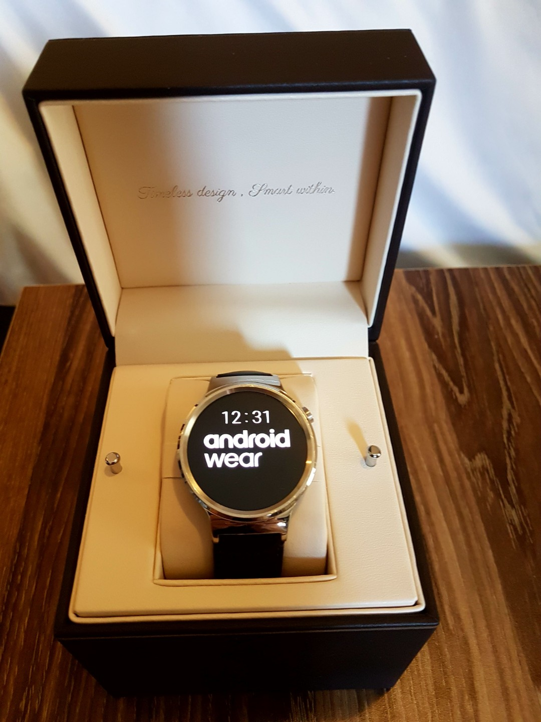 HUAWEI Android watch with black leather band