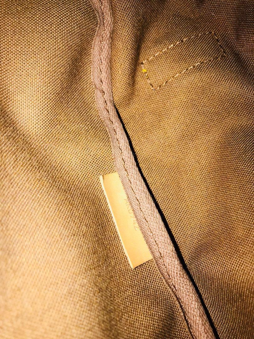 SALE ❤️❤️Authentic Vintage Louis Vuitton Saumur 35