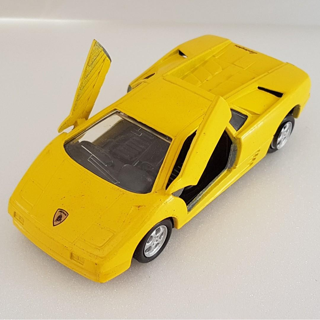 Vintage Toy Old Toy Rare Racing Car Maisto International Inc Die Cast Sports Car Lamborghini Diablo In Yellow Door Open Upwards Scale 1 40 A Super Car For Display For Collector Original Vintage